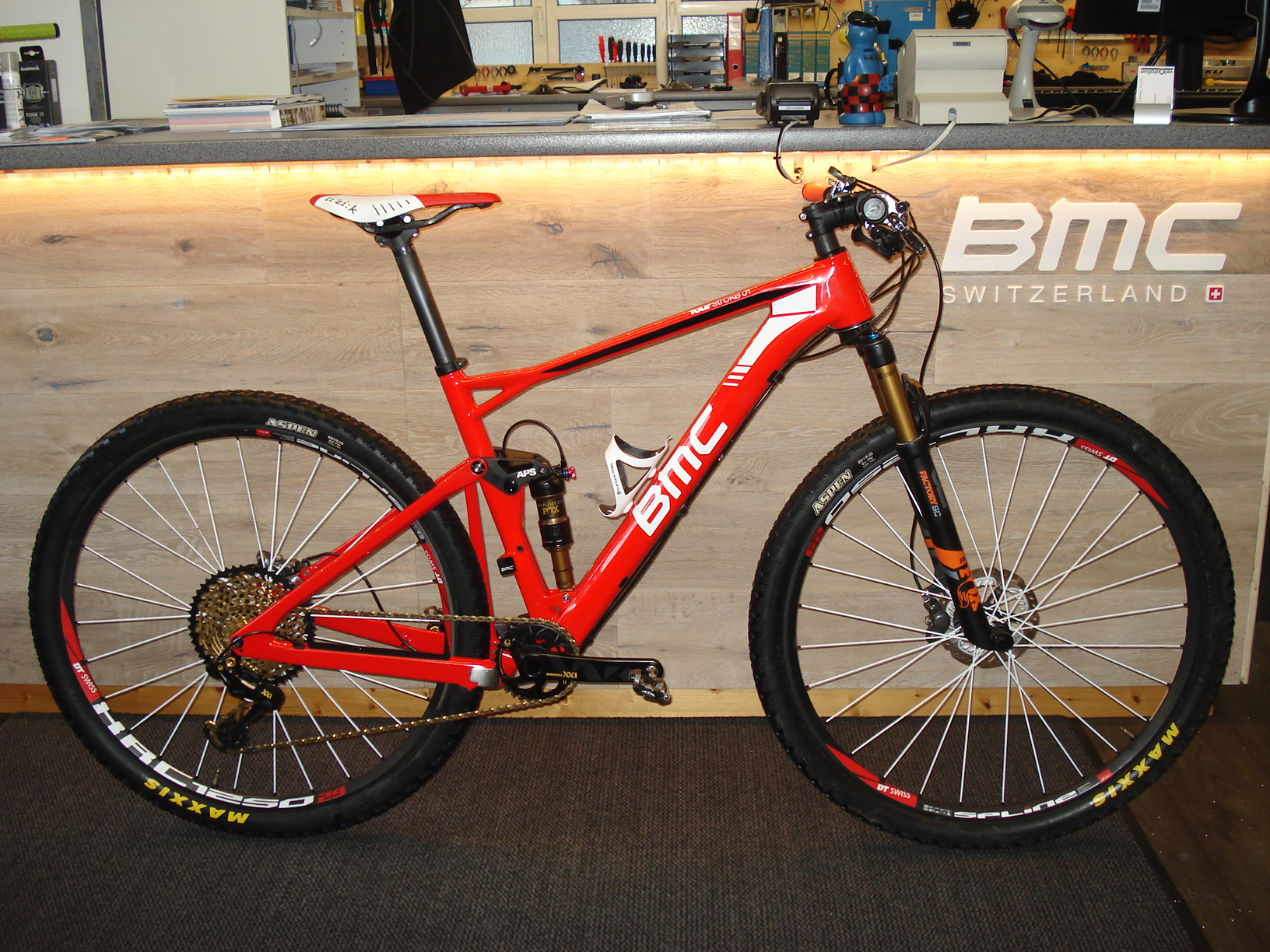 BMC fourstroke 01 red